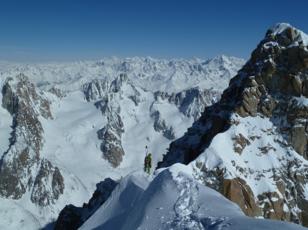 Me traversing to the start of the couloir. © Tom Grant