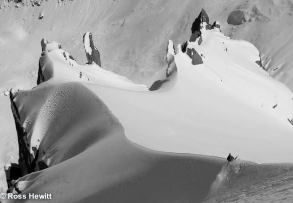 Ben skiing the spur. © Ross Hewitt